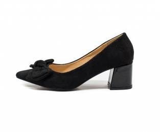Women's shoe, black, with bow