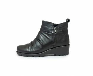 Women's ankle boots, black